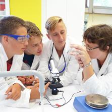 Angebot spannender Experimente - Open Lab Linz Teens-222